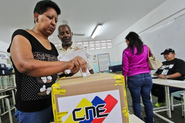 Grassroots members of the United Socialist Party of Venezuela elected 537 delegates to the party's 3rd National Congress on Sunday. (Roberto Gil / CdO)