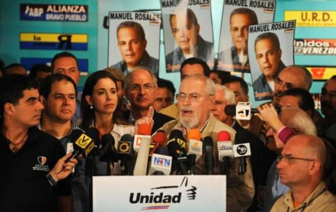 Ramon Guillermo Aveledo and other members of the Venezuelan opposition (ArmandoInfo)