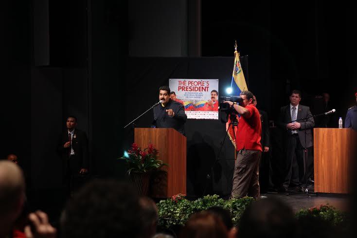 Maduro on stage. (Gabriela Luz Sierra)
