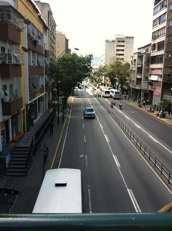 The view onto Baralt Avenue from Llagno bridge (Photo: Cory Fischer-Hoffman, Venezuelanalysis.com)