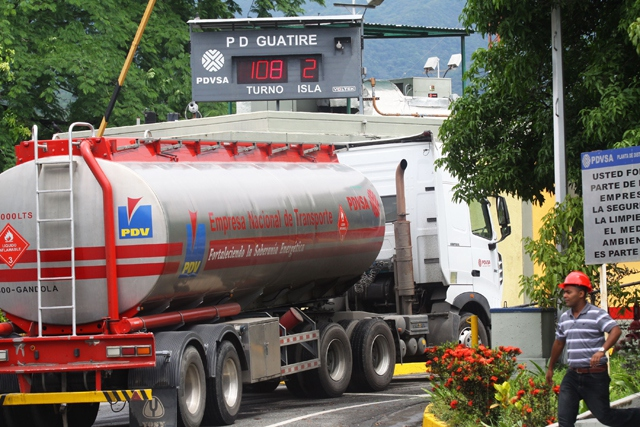 A PDVSA [state] truck transporting gasoline in Caracas (AVN)