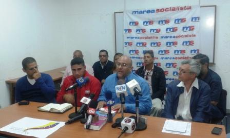 Last Wednesday three chavista groupings, including the Hugo Chavez National Front and the Socialist Middle Class, announced their affiliation to MS and supported the group's viewpoint on the need for a deep debate about the Bolivarian government's policies and direction (aporrea tvi)
