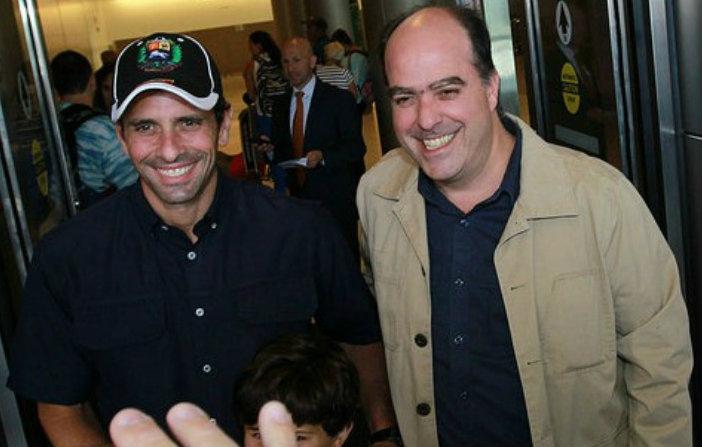 Henrique Capriles (left) and Julio Borges (archive)