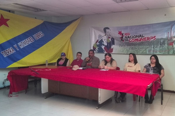 In a press conference held in Caracas on Wednesday by the Association of Relatives of Assassination Victims (Asofavisi) and the National Communard Network, rural activists denounced that at least 178 peasants had been assassinated due to land disputes since 2001, allegedly by gunmen hired by land landowners. (PHOTO: Airam Fernández)