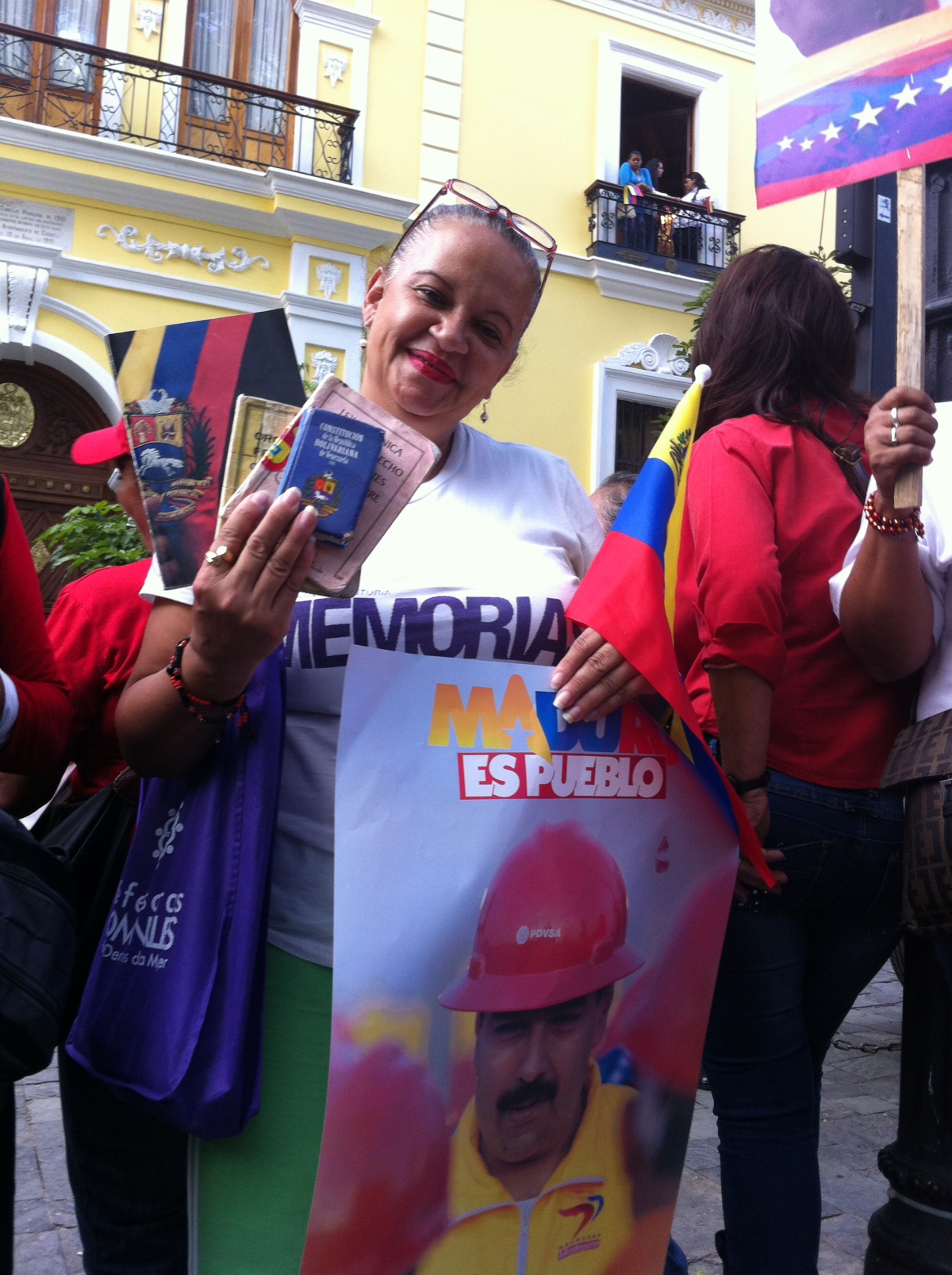 A government supporter in Plaza Bolivar. (PHOTO: Cory Fischer-Hoffman)