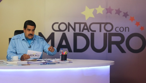 "Maduro outlines the latest evidence of the coup plot on his weekly program ""In Contact with Maduro,"" on VTV state television. March 3, 2015 (Photo: AVN)"