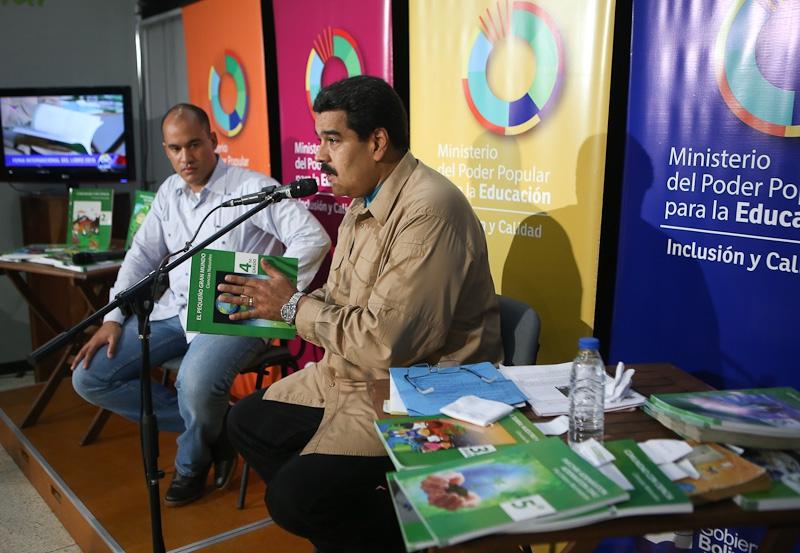 Venezuelan President, Nicolas Maduro, made a surprise appearance at the event! (MinCi)