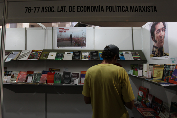 Countries such as Cuba and Spain had stalls at the event, which promoted publications with a political content (UltimasNoticias)