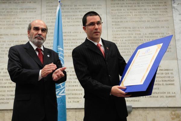 Venezuela's Arreaza with FAO General Director Graziano Da Silva (Credit: @VTVCanal8)