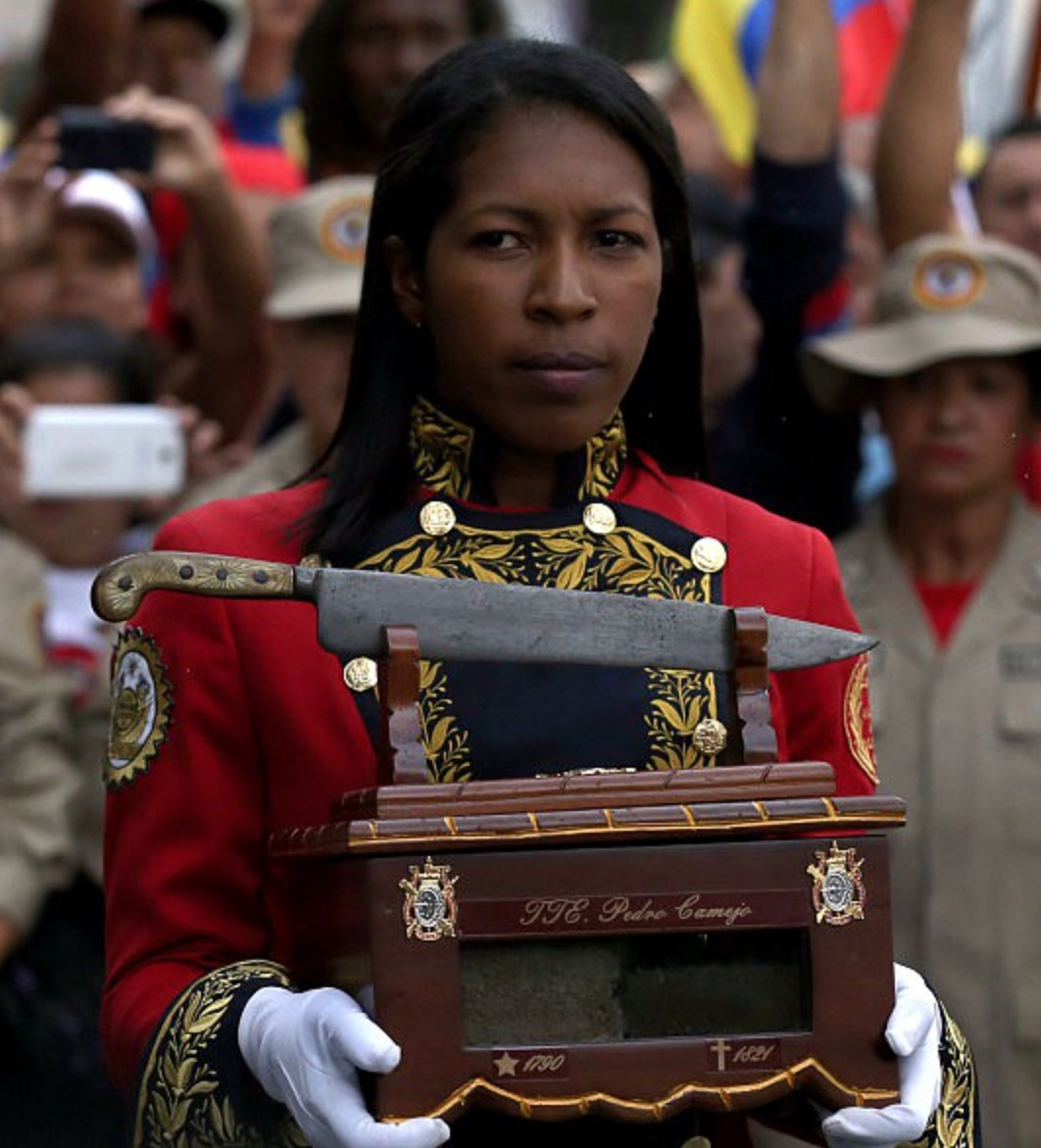 The symbolic casket arrives in Caracas seven days after it set out from Negro Primero's birthplace in Apure (Albaciudad)