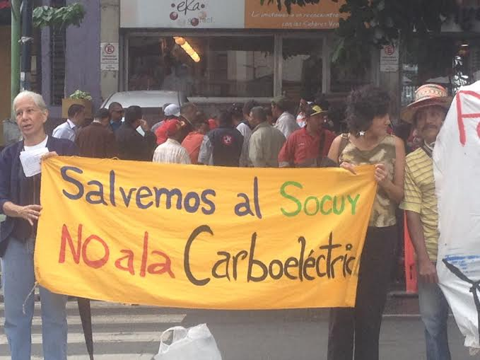 Banner reads: We have to save Socuy, not coal electricity. (Photo: Lucas Koerner)