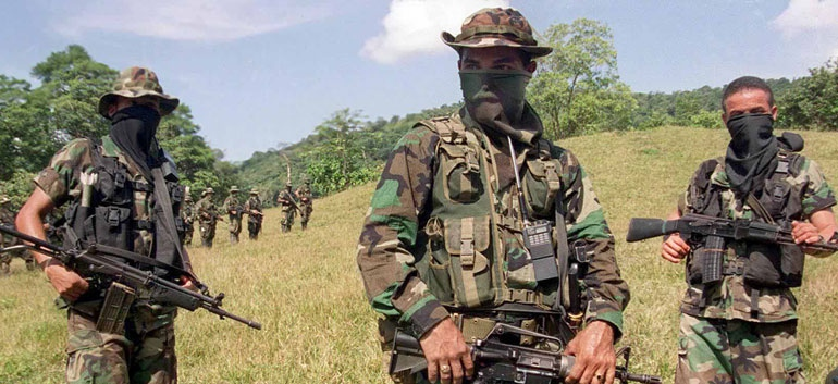 Colombian paramilitaries. (Colombia Report)