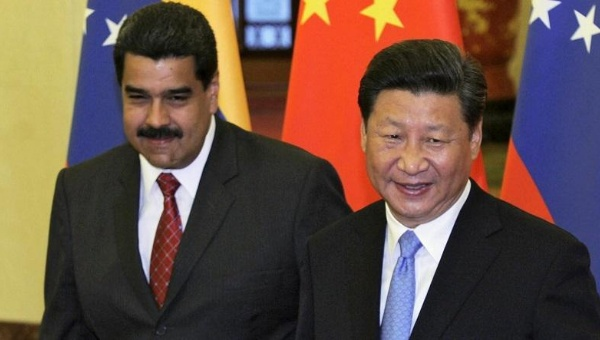 China's President Xi Jinping (R) and Venezuela's President Nicolas Maduro before their meeting at the Great Hall of the People in Beijing, China, Sept. 1, 2015. (Photo: Reuters)