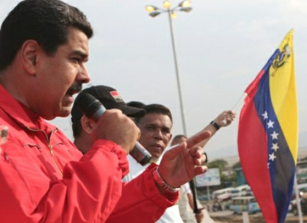 Maduro says that he will conduct a revision of US-Venezuela relations in light of the revelations. (Panorama)