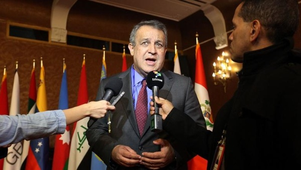 Eulogio del Pino, president of Venezuela's state oil company, told the media that the company was exploring legal options, Tehran, Iran, Nov. 21, 2015. (AVN)