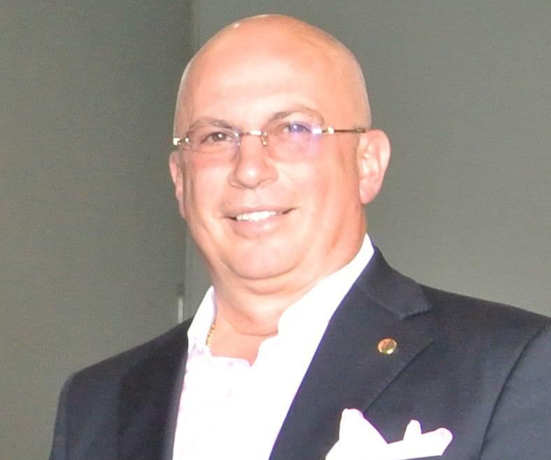 Roberto Rincon (tradequipsm.com).