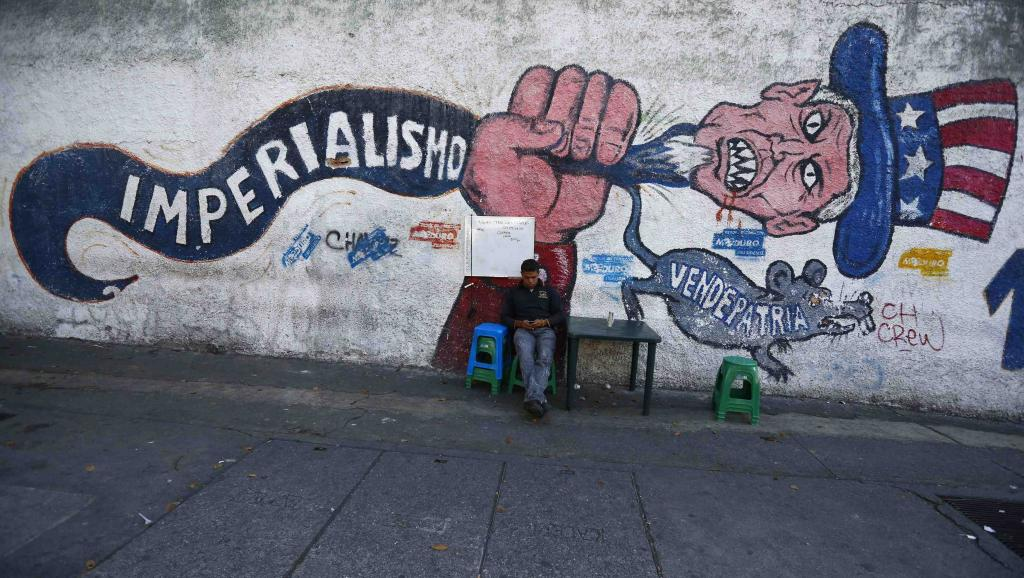 Anti-imperialist mural in Caracas.
