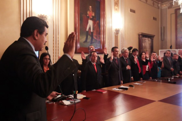 Maduro swears in new ministers on Wednesday. (Prensa Presidencial)