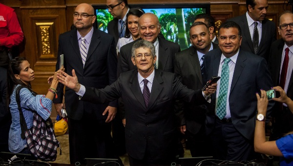 Newly elected legislators have been sworn in. (Photo: teleSUR)