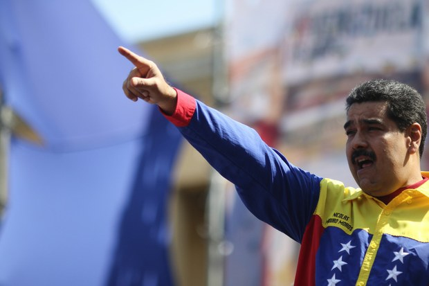 Maduro publicly addresses the renewal of the decree, vowing to deepen the revolution. (VTV)
