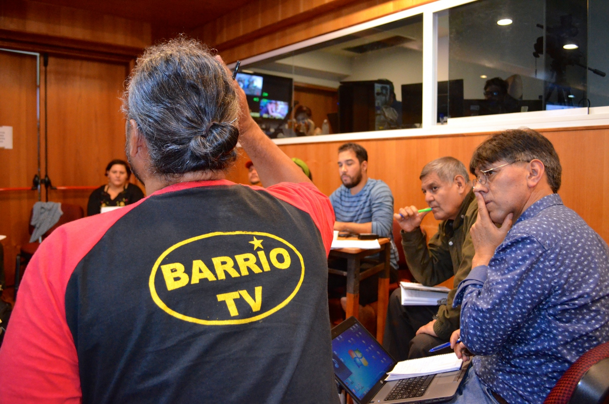 "Caracas-based community TV station, Barrio TV, attended the forum. Participants took part in a review of the continent's current political panorama and discussed communicational strategies to confront ""imperialist"" and ""capitalist"" expansion in the region.  (Rachael Boothroyd Rojas - Venezuelanalysis)"