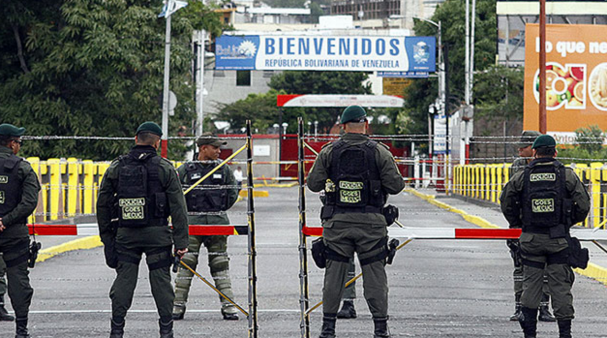 The Venezuelan-Colombian border was reopened on Saturday after a six-month closure. (Agencias)