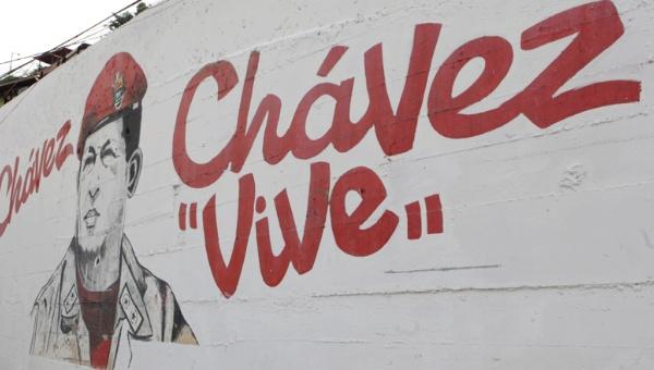 """""""Chávez Lives"""". (AVN)"""