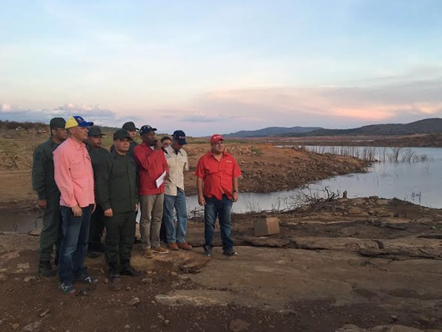 Vice-President Aristóbulo Istúriz and other government officials visit the Guri Dam. (Vice-President's office)