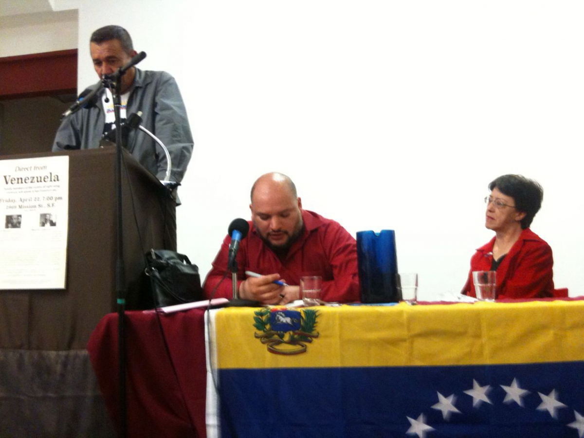 Photo caption: Luis Durán shares his personal testimony with the guarimbas that took his son's life. (Paola Martucci)