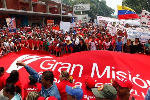 Thousands of Maduro supporters have rallied in Caracas against proposed reforms to the GMVV. (AVN)