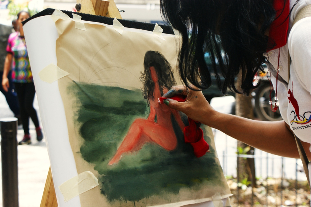 Of course painting could not be omitted from the day's commemorations. Female nudes were one of Reverón's favourite subjects. (Jonas Holldack/Venezuelanalysis)