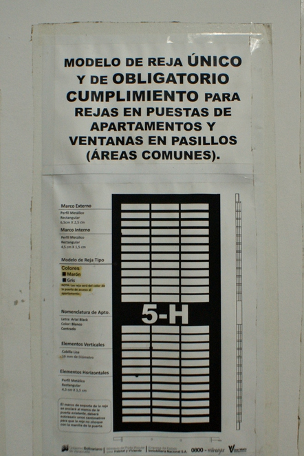 For the sake of uniformity and safety, every building includes information regarding window bars installation. (Jonas Holldack/Venezuelanalysis)