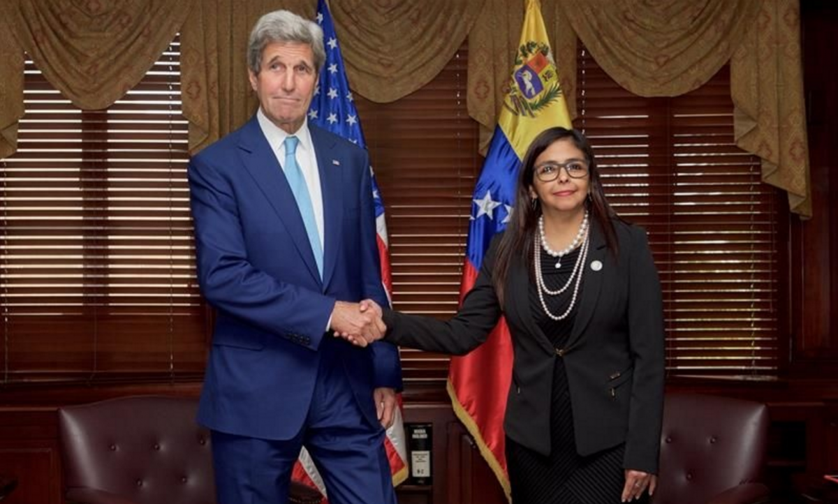 US Secretary of State John Kerry and Venezuelan Foreign Relations Minister Delcy Rodríguez met this week to discuss plans for a dialogue between the two nations (AFP).