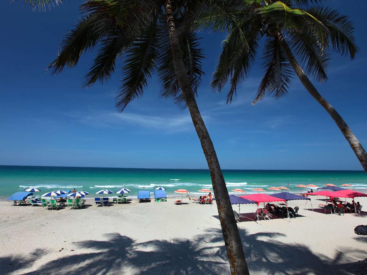 Playa el Agua beach on the tourist hotspot of Margarita Island, Venezuela (Mintur)