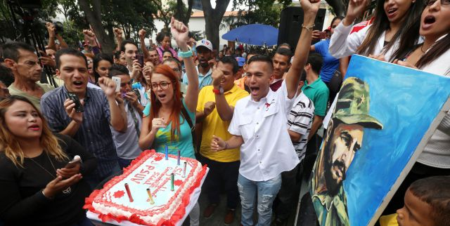 International celebrations for an internationalist leader. Venezuelans commemorate Fidel's birthday from Plaza Bolivar in Caracas (AVN).