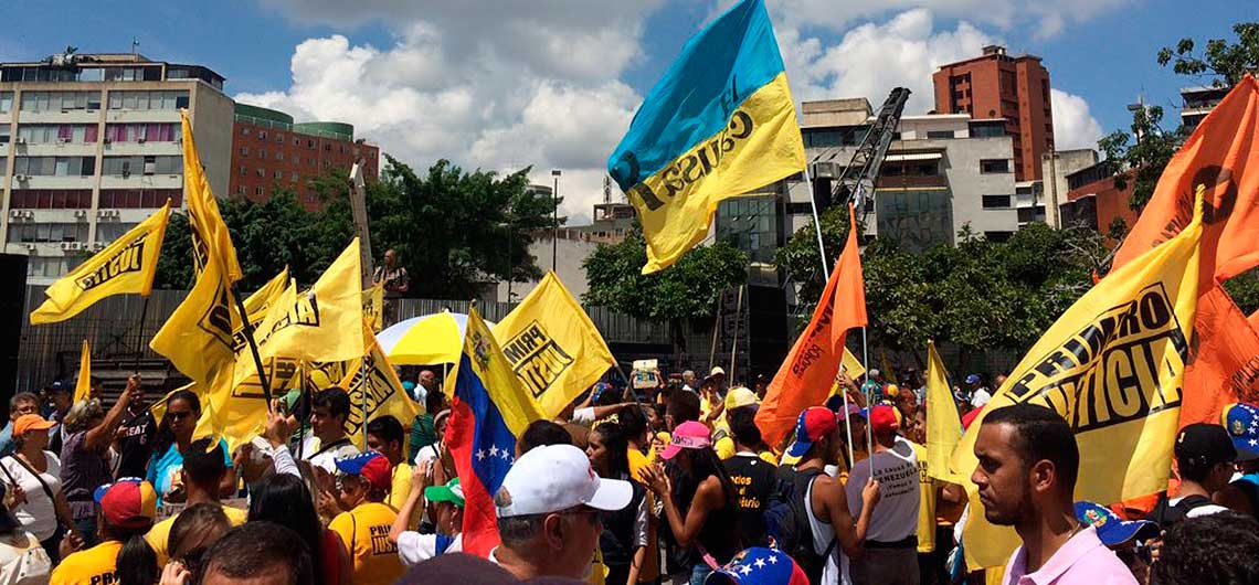 An anti-government rally in Venezuela earlier Friday. The authenticity of the image has been confirmed by VA. (Ultimas Noticias)