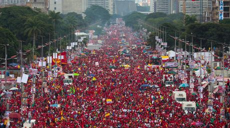 Venezuelans in support of the Bolivarian Process also marched on September 1st in Caracas (El Nacional/@LuisMarcano).