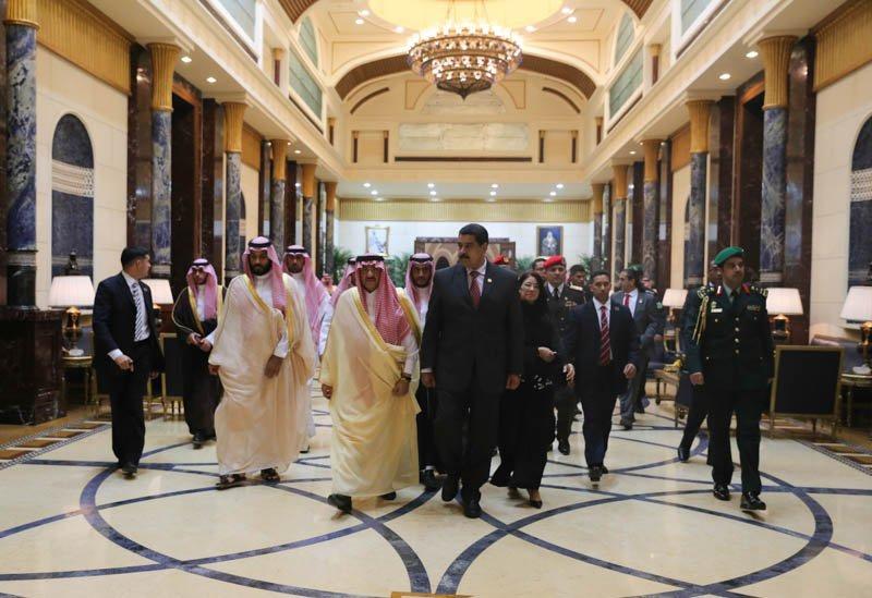 President Maduro meets with Saudi King Salman bin Abdulaziz in Riyadh on Sunday. (@PresidencialVen)