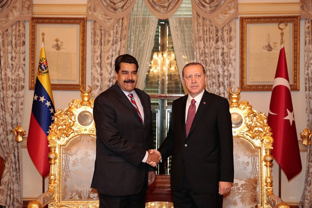 President Maduro meets with his Turkish counterpart, Recep Tayyip Erdogan, in Istanbul. (@PresidencialVen)