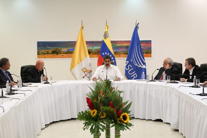 President Nicolas Maduro and the MUd held talks mediated by the Vatican over the weekend. (Prensa Presidencial)