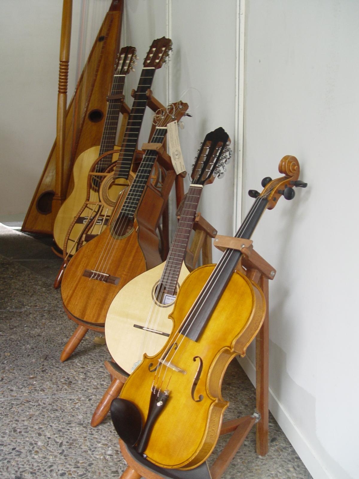 Venezuelan music implements a wide array of instruments including chordophones (Venezuelanalysis/Paola Martucci Gómez)