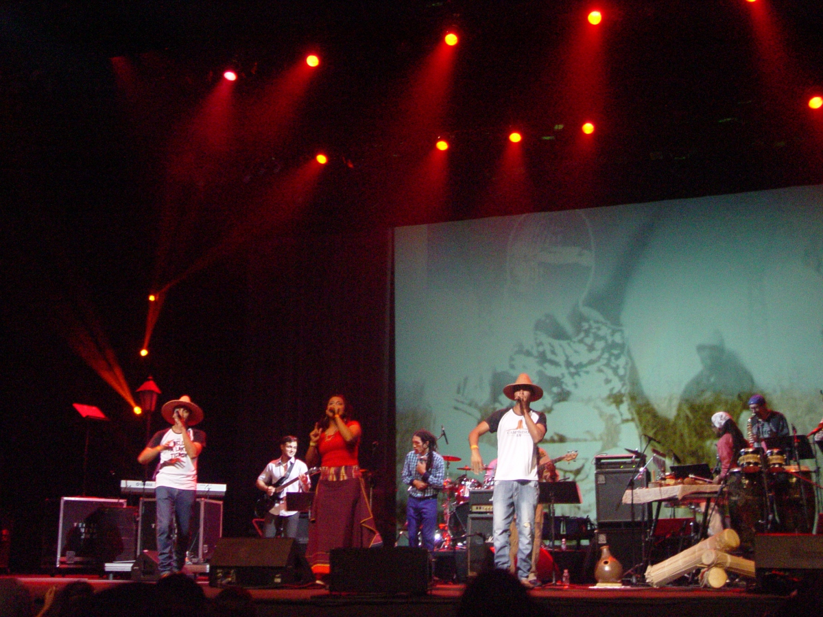 Campesinos Rap perform their fusion of hip hop and traditional music from the state of Aragua. (Venezuelanalysis/Paola Martucci Gómez)