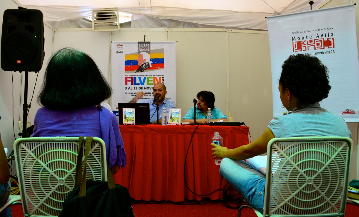 The FILVEN 2016 programme includes daily book presentations with authors and discussions on literary and political themes (Rachael Boothroyd Rojas/Venezuelanalysis.com)