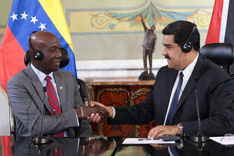 Prime Minister of Trinidad and Tobago Keith C. Rowley (left) and Venezuelan President Nicolás Maduro (right) (Prensa Presidencial).