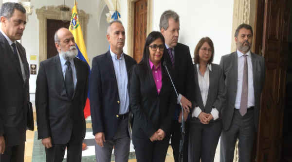 Foreign Minister Delcy Rodriguez meets with representatives from UN agencies. (@vencancilleria)