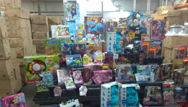 These toys will be redistributed to poor Venezuelan children for Christmas. (Twitter / Superintendencia Nacional para la Defensa de los Derechos Socioeconómicos)
