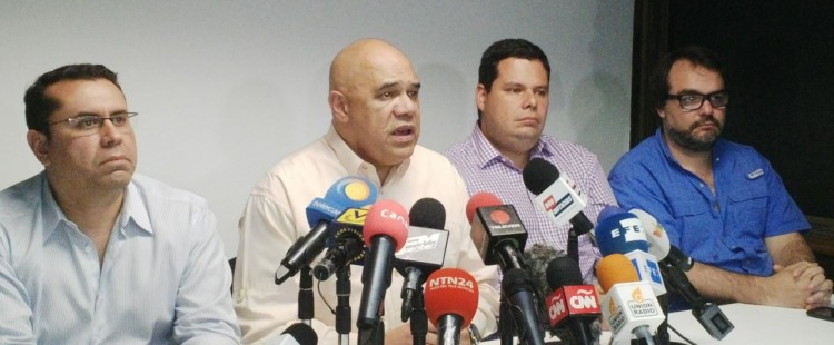 MUD leaders, including Jesus Chuo Torrealba (second left), give a press conference on Wednesday (UnidadVenezuela).