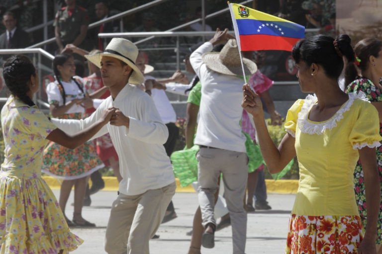 Joropo is a traditional Venezuelan dance native to the llanos, the agricultural heartland of the nation and cradle of Zamora's insurrection.(AVN)