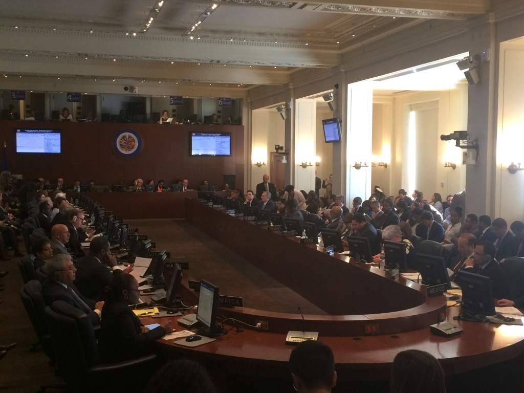 OAS extraordinary session concludes without a formal vote regarding Venezuela's suspension. (AP/El Heraldo)