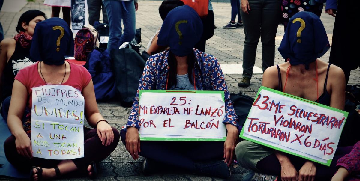 Venezuelan feminists organise against gender violence.  (Rachael Boothroyd Rojas/Venezuelanalysis)